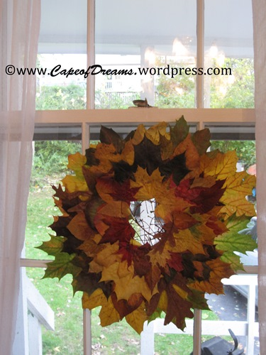 DIY Fall wreath of leaves